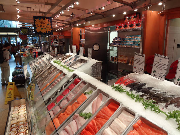 Find the best fish market in new york for fresh seafood for Fish market restaurant nyc