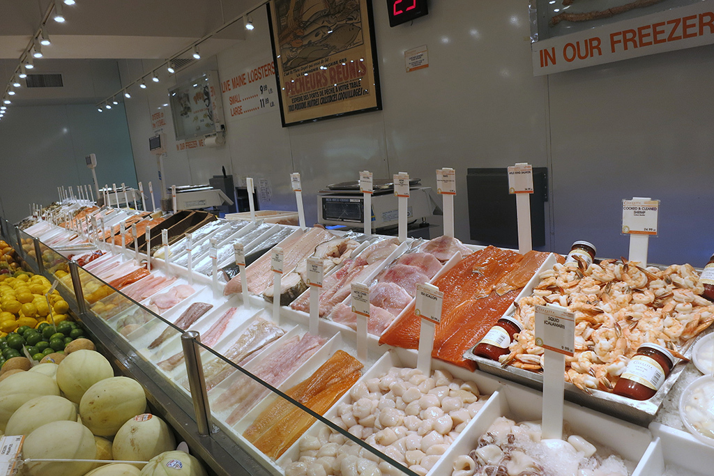 Find the best fish market in new york for fresh seafood for Fish market long island