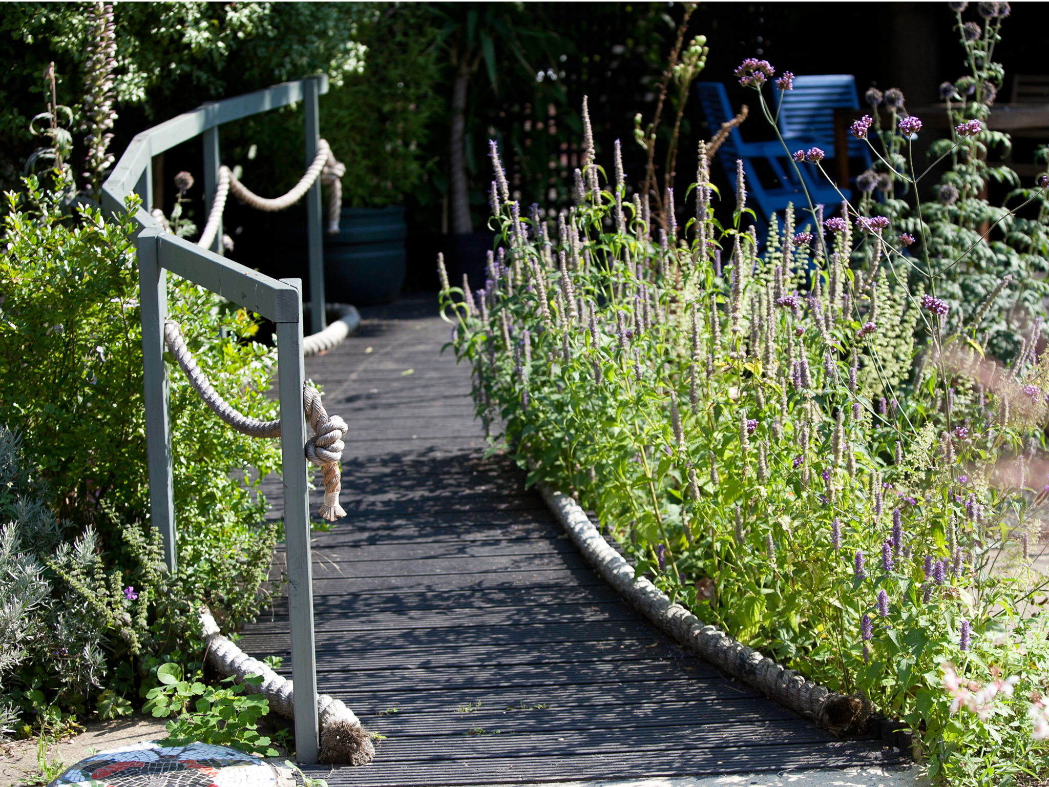 Secret Garden: Hidden Gardens And Green Spaces In London