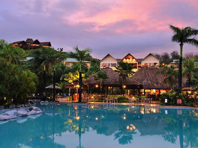 Outrigger Fiji Beach Resort, Coral Coast
