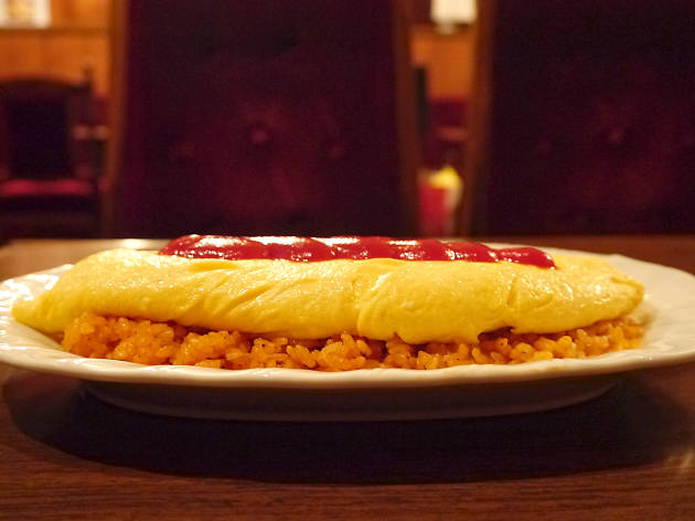 Slice into omurice...