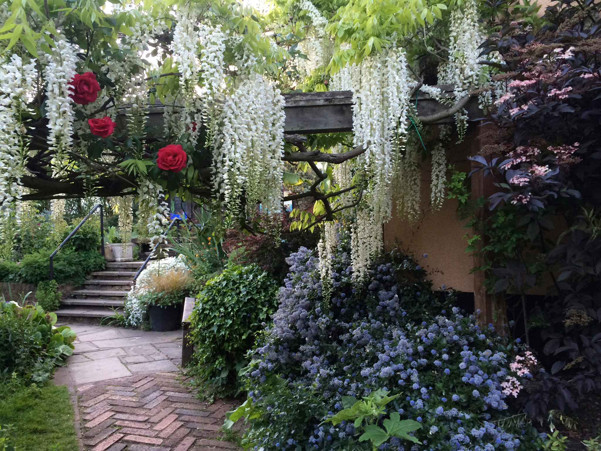 Hidden gardens and green spaces in London Secret gardens Time