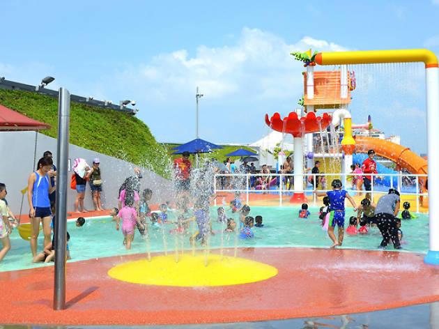 Splash n surf Singapore Sports Hub