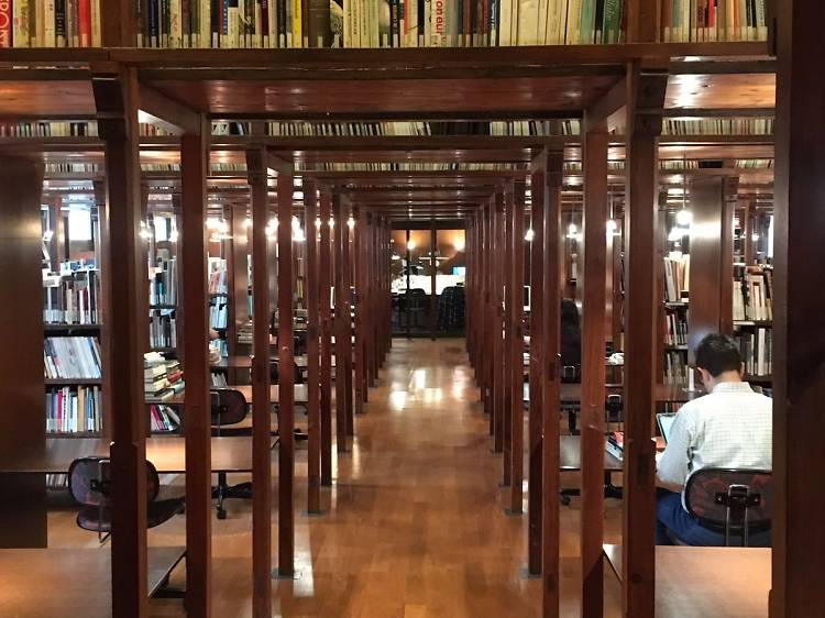 Biblioteca de la Fundació Antoni Tàpies