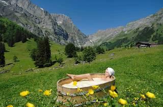 Open-air whey bath