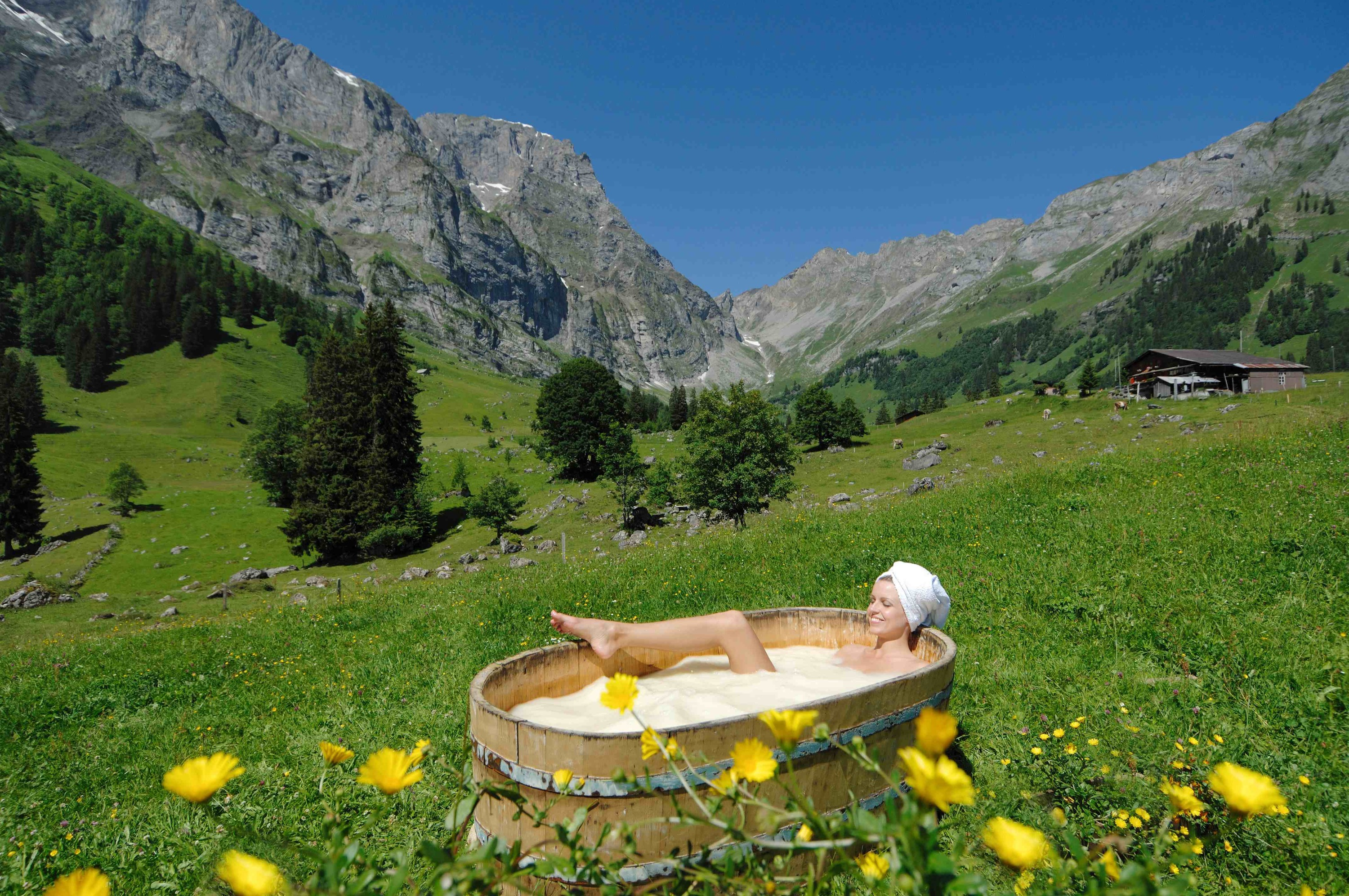 Open-air whey bath