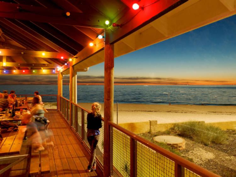 Clancy's Fish Pub: City Beach