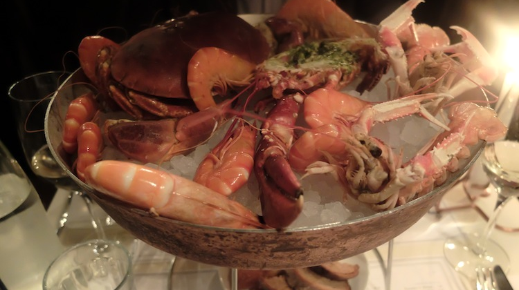 • Un plateau de fruits de mer au Fish Club