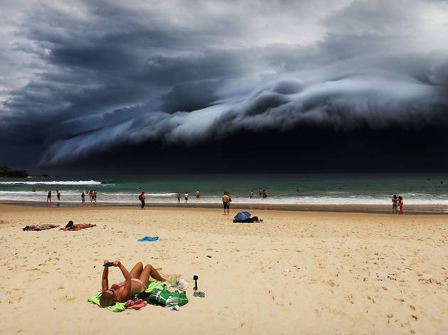 2016 Nature (singles) winner 'Storm Front on Bondi Beach' by Rohan Kelly