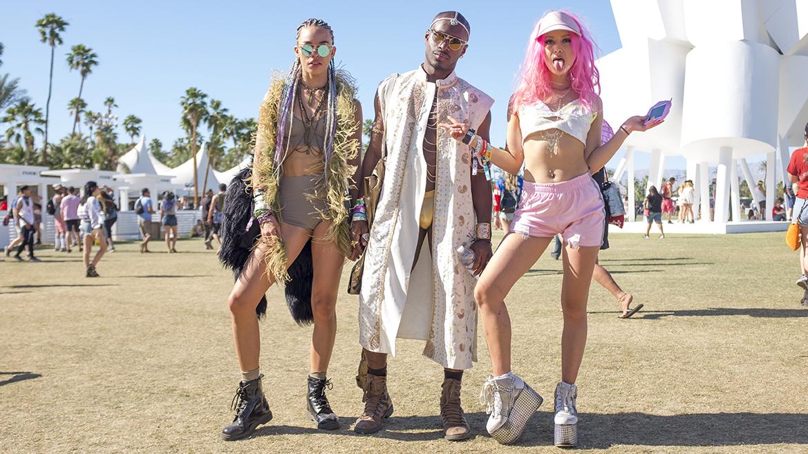 Coachella 2016 street style