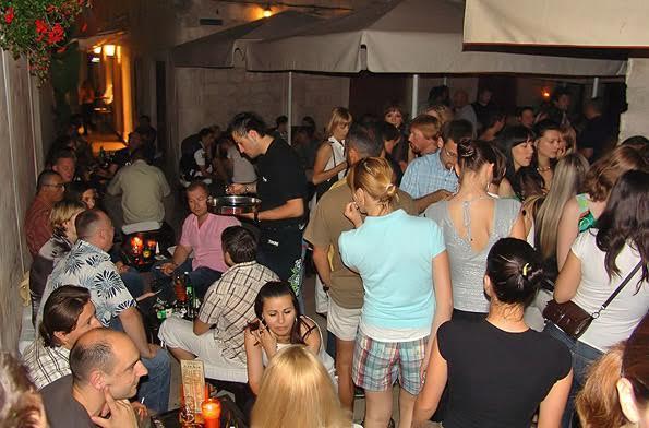 Gaga Bar