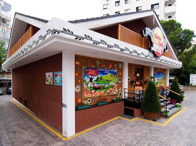 Nezih Gurme Market
