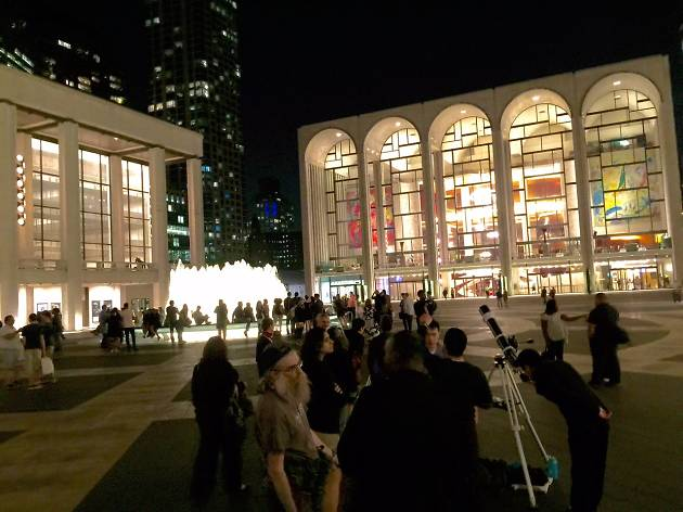Stargazing at Lincoln Center | Things to do in New York