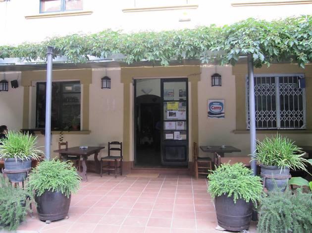 Hostal Nou de Llorà (Cal Ganso)