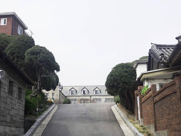 Gye-dong: The road not not taken