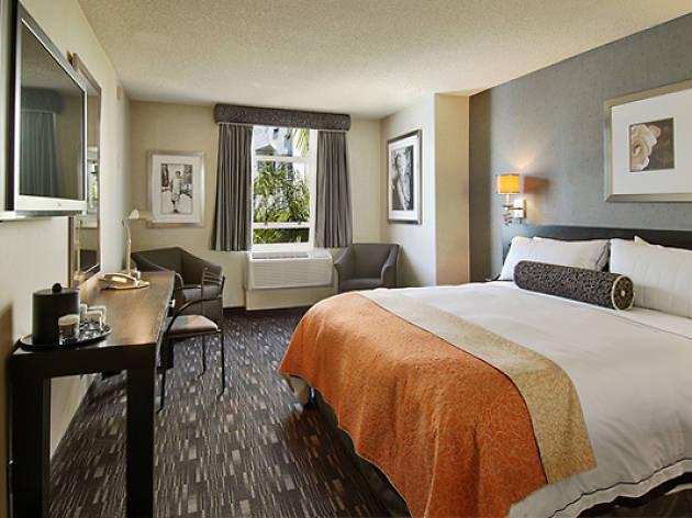 Ramada Plaza Hotel and Suites West Hollywood