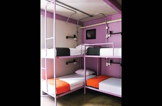 Silom Art Hostel 05