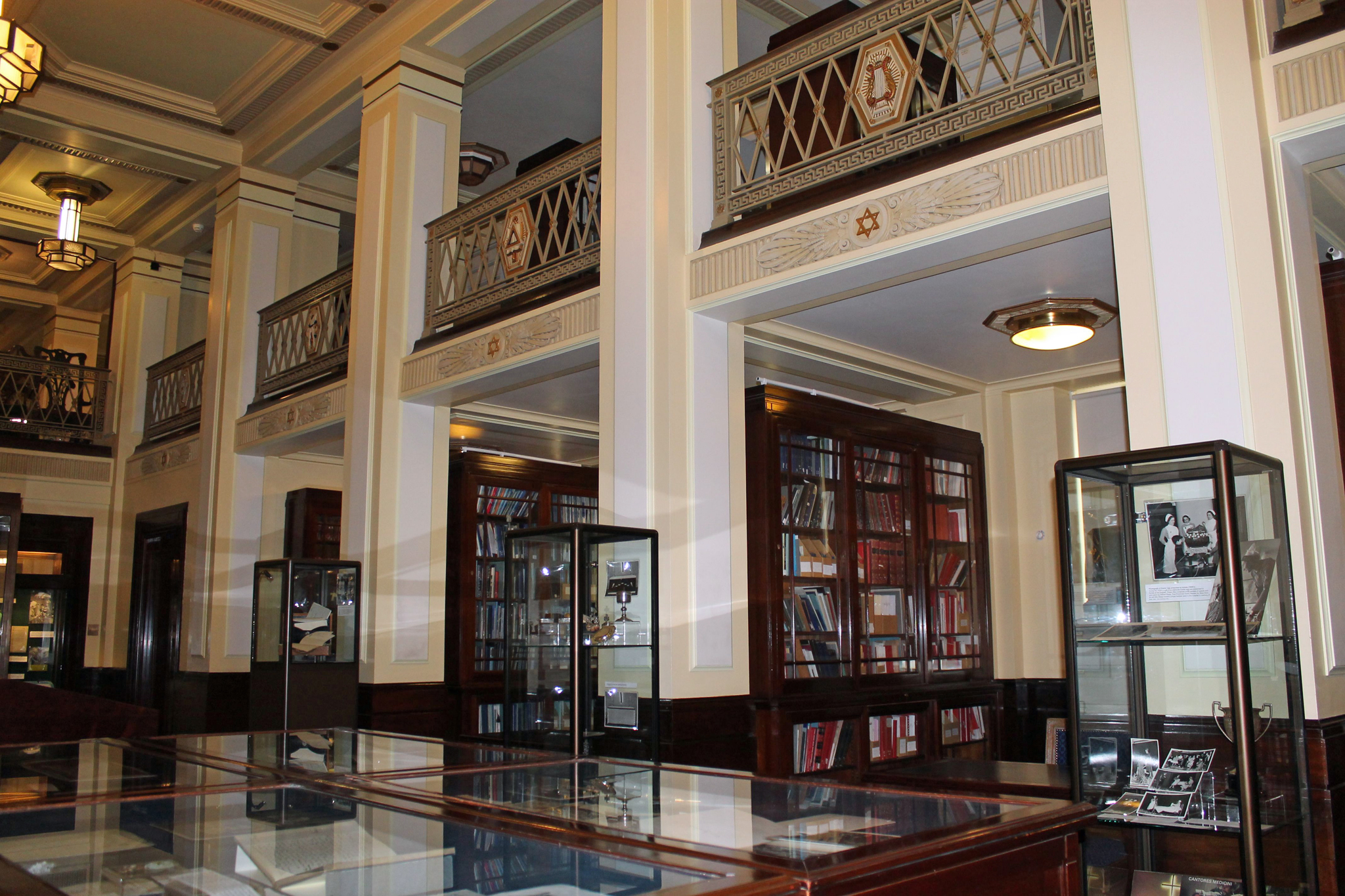 Best London Libraries | 14 Lovely Libraries In London For ...
