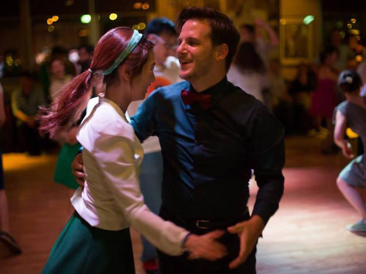 Swing dance/ Lindy hop