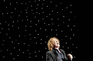 Mick Hucknall; Simply Red