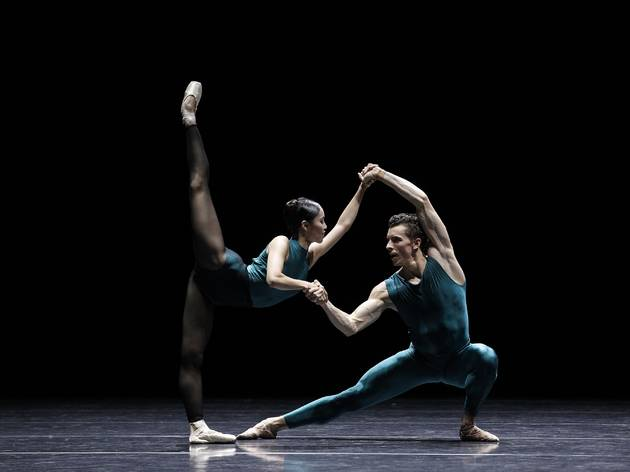 Vitesse 2016 The Australian Ballet production image 04 In The Middle Somewhat Elevated feat Ako Kondo and Kevin Jackson photographer credit Jeff Busby