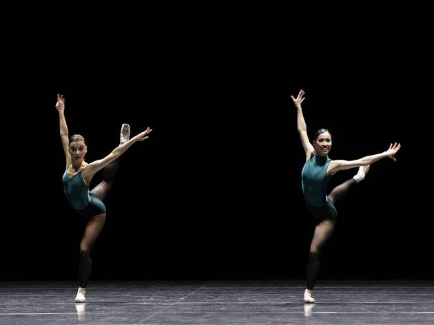 Vitesse 2016 The Australian Ballet production image 05 In The Middle Somewhat Elevated feat Benedicte Bemet and Ako Kondo photographer credit Jeff Busby