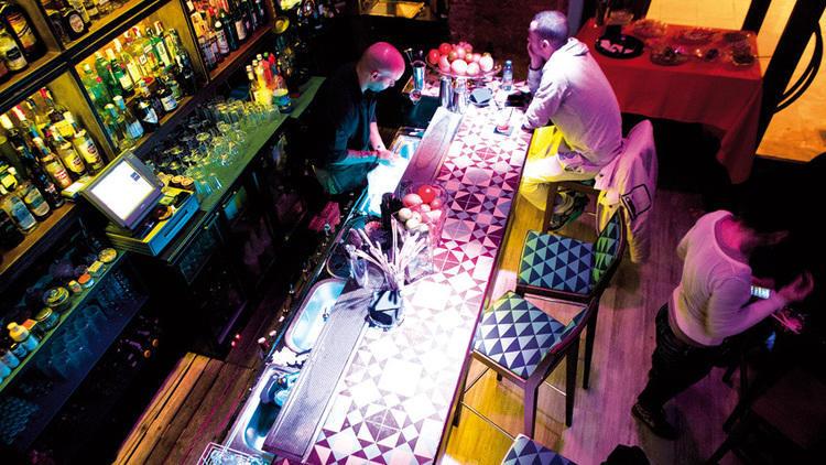 8 bars on gaudir d'un bon bourbon