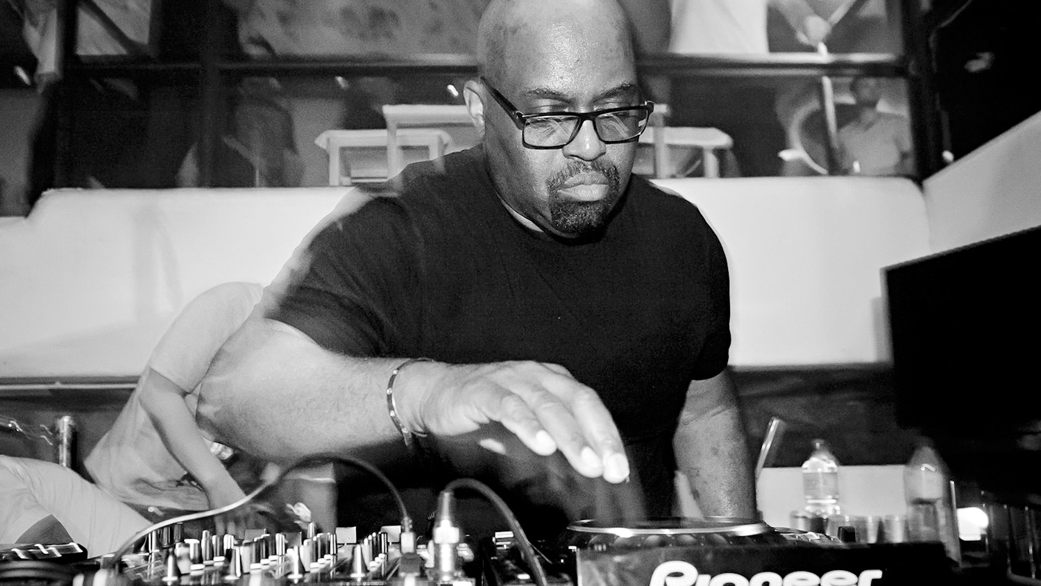 Best house music djs of all time from frankie knuckles to for The best house music ever