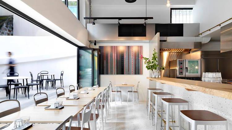 Café Deadend - interior