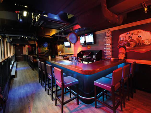 Geronimo Shot Bar
