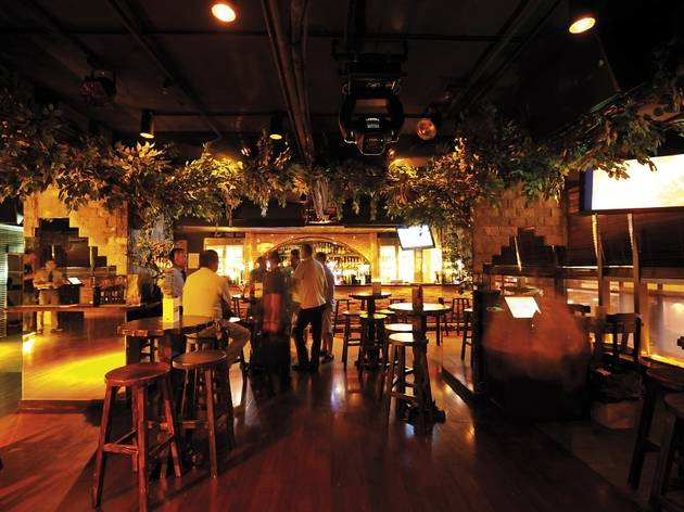 J Forest Music Bar Bars And Pubs In Wan Chai Hong Kong