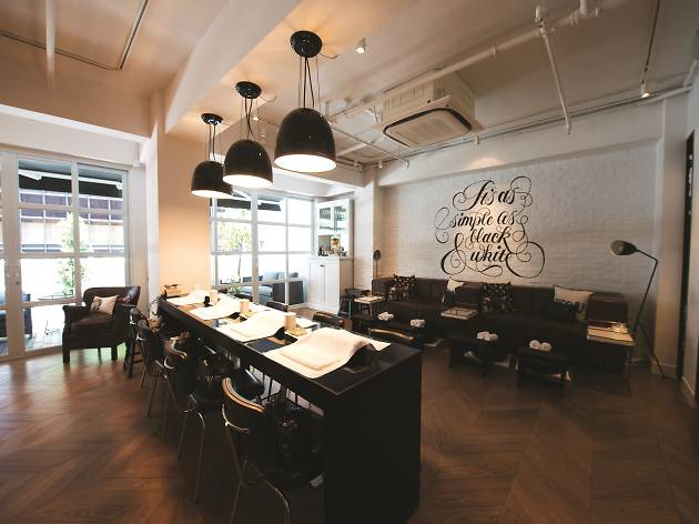 The best nail salons in hong kong for Best hair salon hong kong