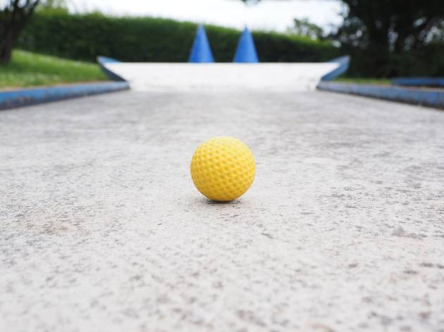 mini golf ball