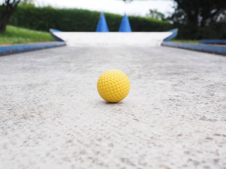 Diversey Range and Mini Golf
