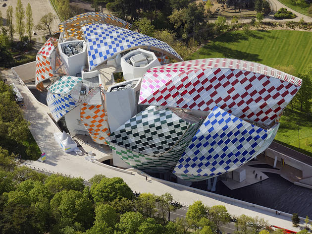Daniel Buren (© Ph.GUIGNARD/AIR-IMAGES/Fondation Louis Vuitton)