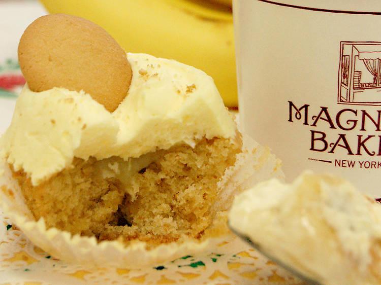 Banana pudding cupcake at Magnolia Bakery