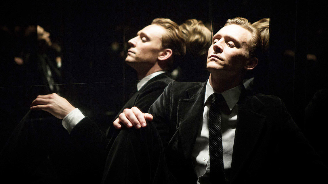 Tom Hiddleston in the futuristic High-Rise!