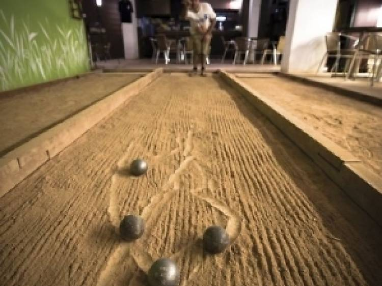 Play boules