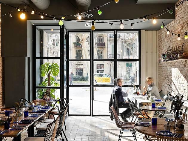 Cafés with free WiFi