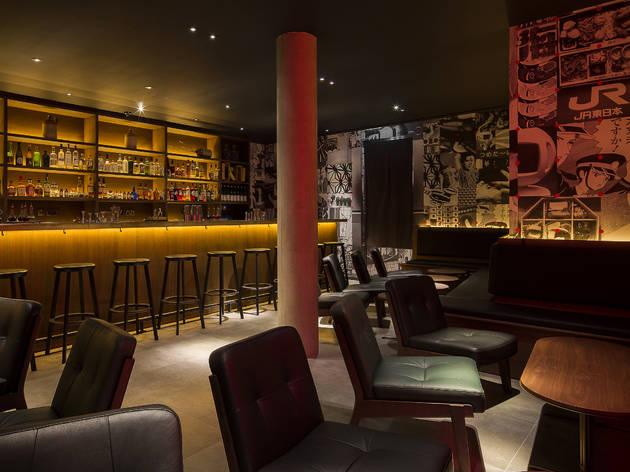 7 Tales Bars and pubs in Trafalgar