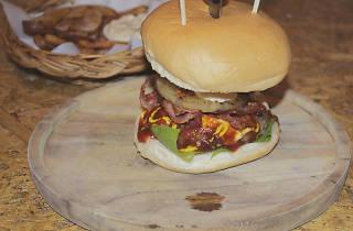 Amp.Burger & Bar 04
