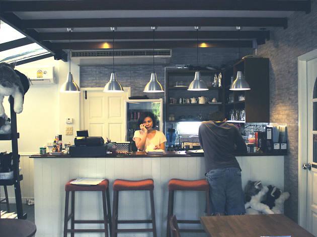Truelove Cafe 01