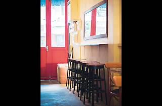 wtf bar & gallery 02