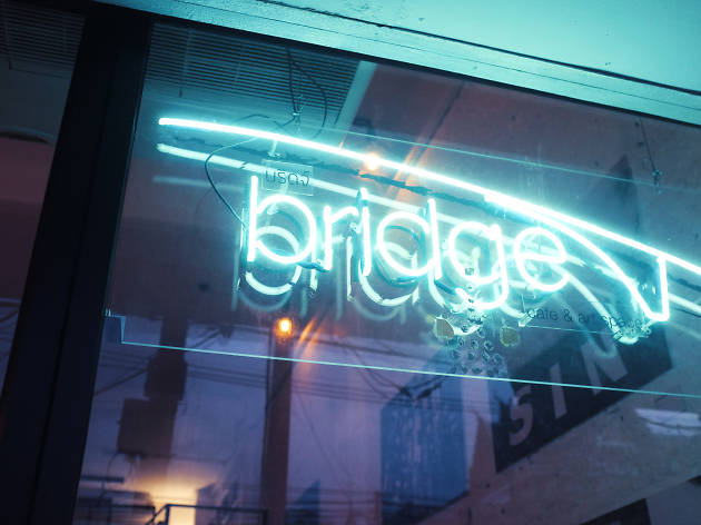 bridge café & art space 01