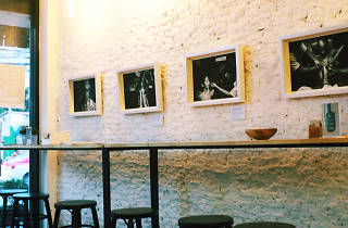 bridge café & art space 02