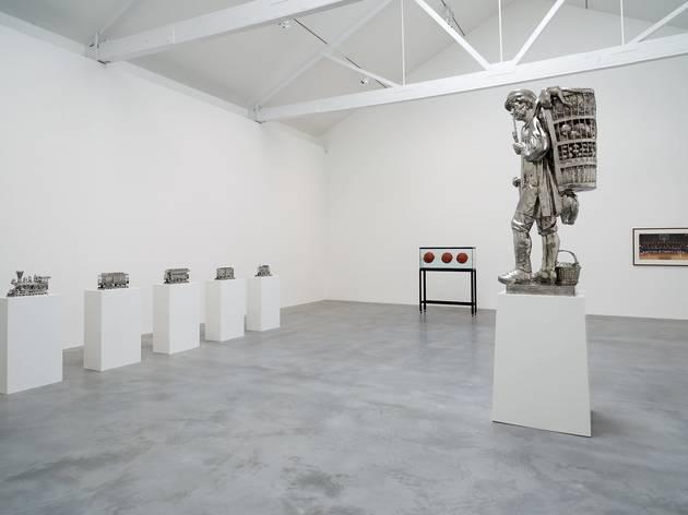 (Exhibition view of 'Jeff Koons: Now'. ©Jeff Koons. Photo: © Victor Mara Ltd)