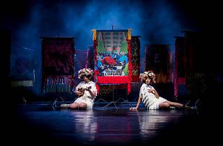 Zululuzu par le Teatro Praga