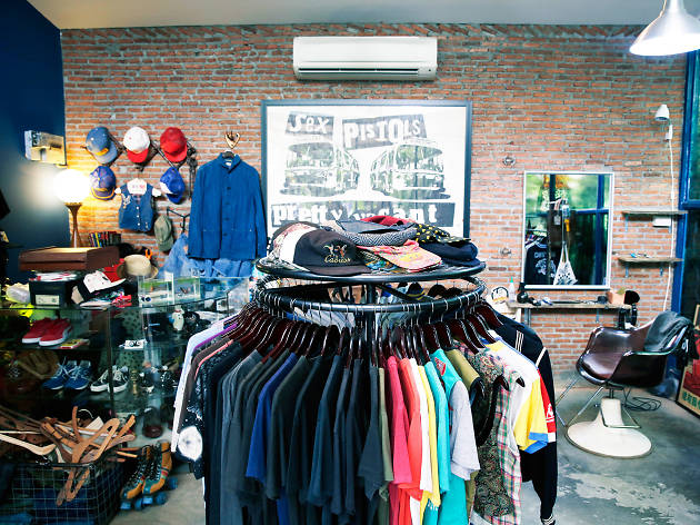 vintage clothing and accessories for both gentlemen and ladies