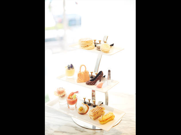 1823 Tea Lounge by Ronnefeldt 02