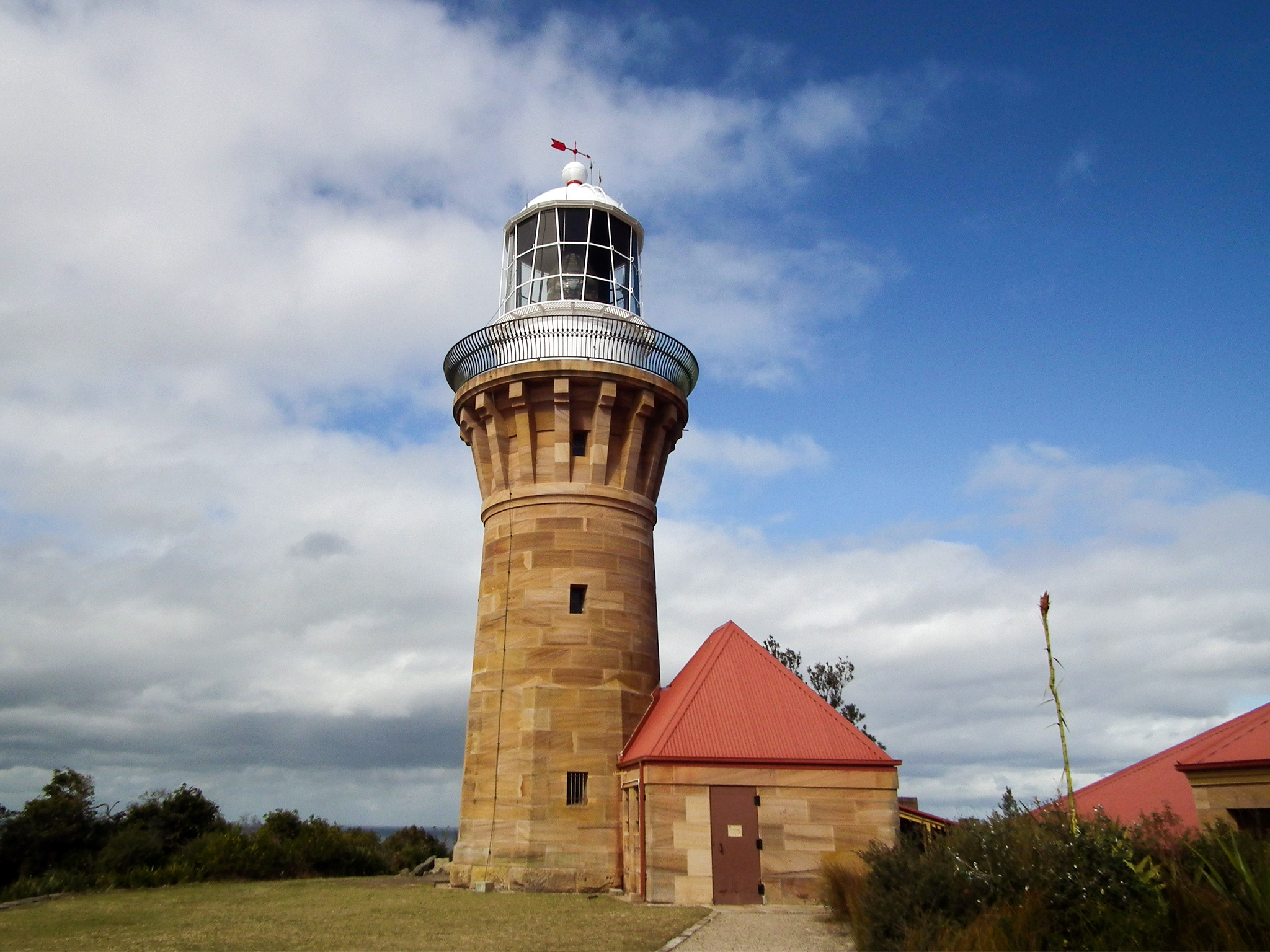 Barrenjoey Lighthouse Track